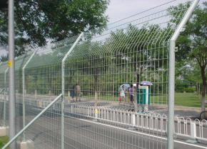 冷镀锌护栏网和热镀锌护栏网的区别在那里