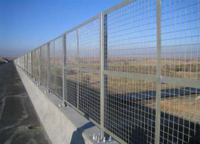 公路护栏网的三种防腐方式